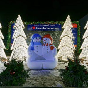 fiberglass frosty friends snowman bench