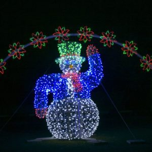 custom snowman display in st. clair gardens