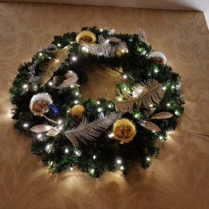 illuminated christmas wreath